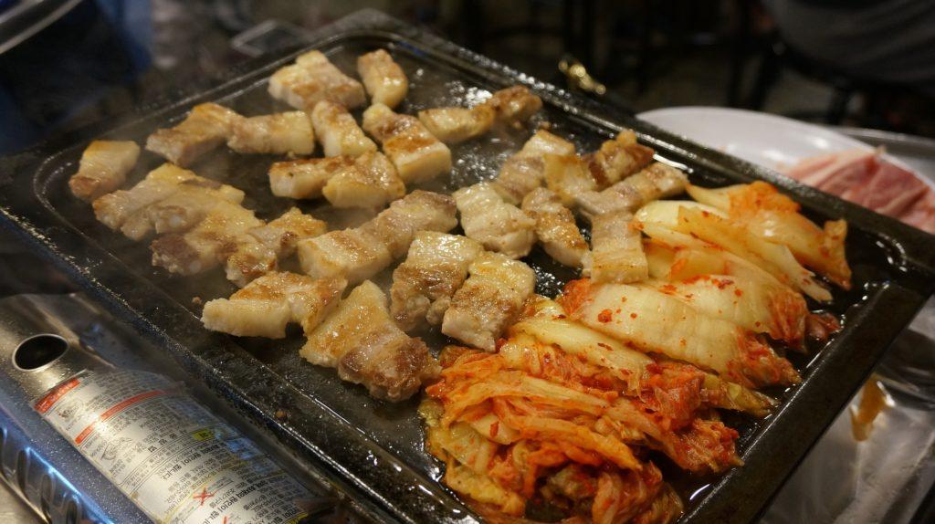 焼肉とキムチ