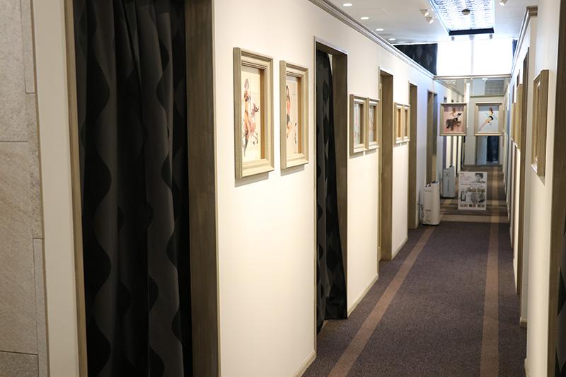 レジーナクリニックの廊下